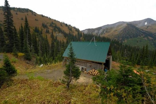 Penny Red Mountain Cabin summer (room for 8)