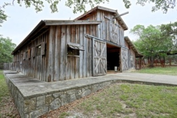 Barn, 2000 sq ft for events